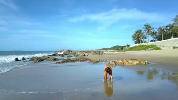 Видео фото экзотика, голые девушки со средними ляшками
