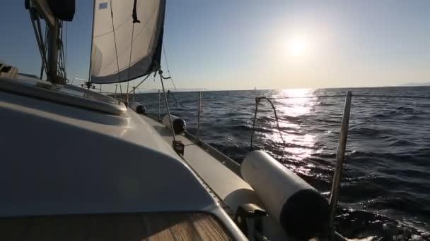 jachta v Egejském moři
