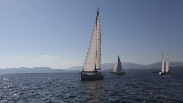 Jachty, plachtění v Řecku