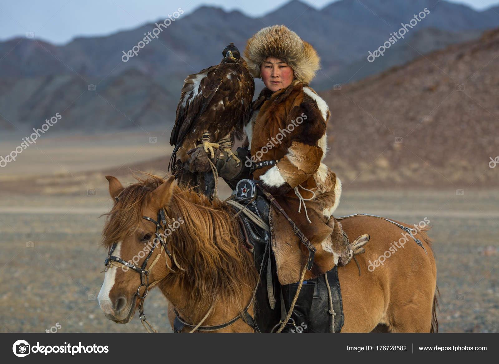 2017 Femme Sagsay Sep Aigle Des Jeune Chasseur Vêtements Mongolie RqqIx6wE