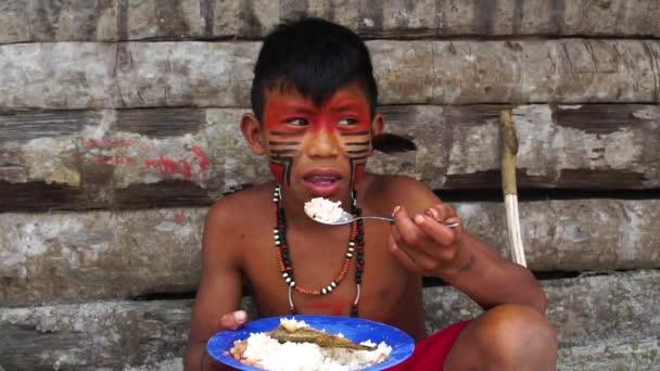 Natív brazil gyermek
