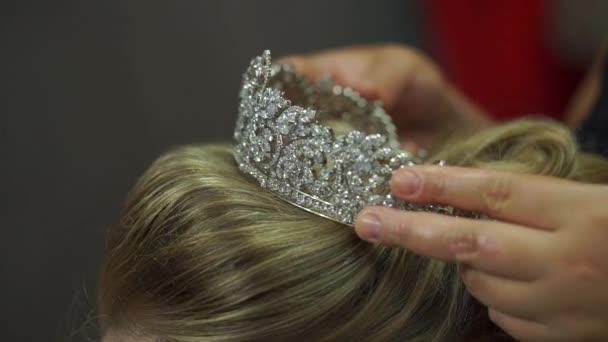 Úprava vlasů v salonu krásy