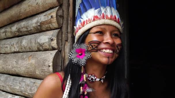 Natív lány