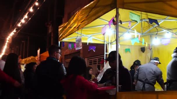 Festa Junina ze stánků v noci, Brazílie