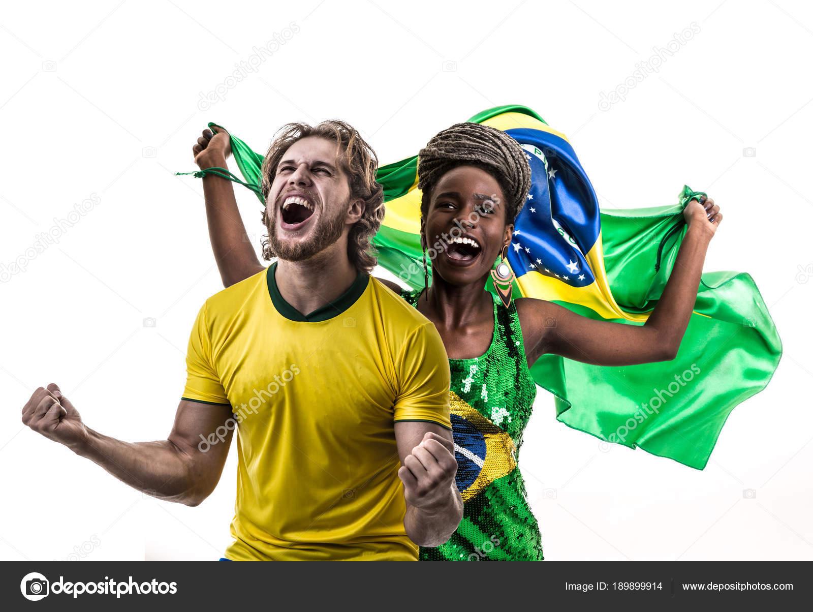 Guapo Hombre Caucásico Camiseta Amarilla Mujer Africana Con