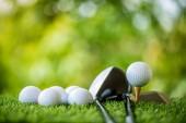 golfový míček na Téčko připraven k praxi