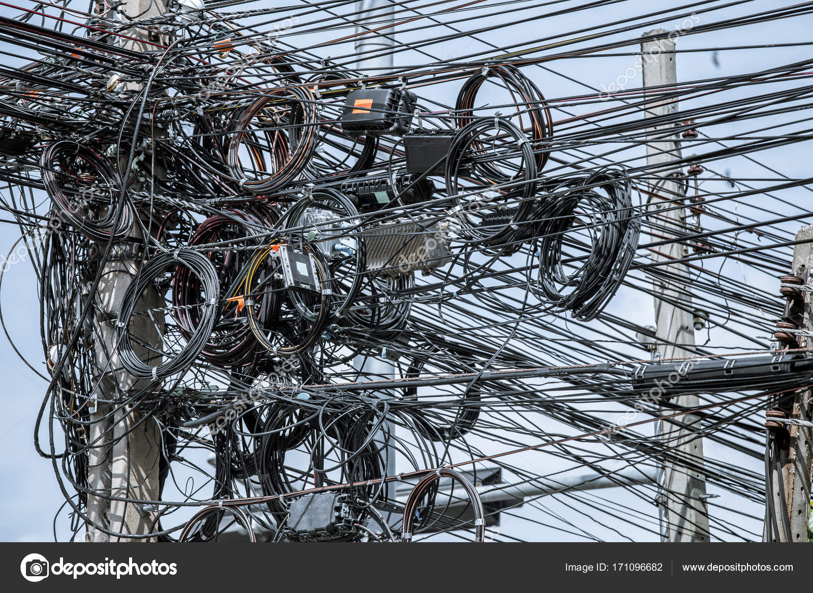 Messy Electrical Cables On Post Stock Photo C Antpkr 171096682