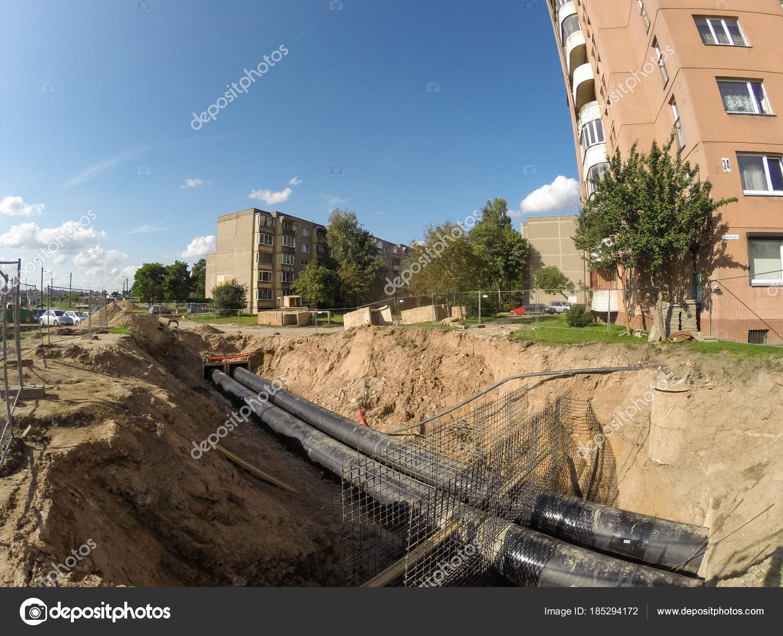 Central heating system renovation works in Kaunas, Lithuania — Stock ...