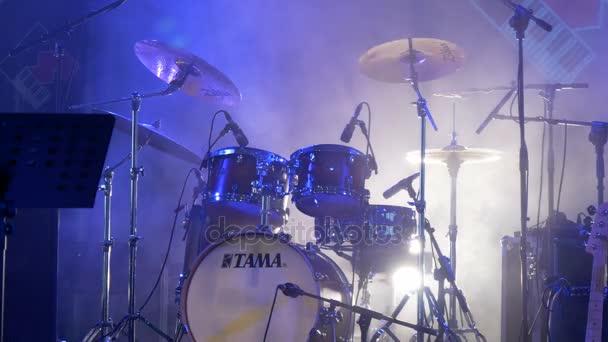 svítidla osvětlení jeviště s bubny
