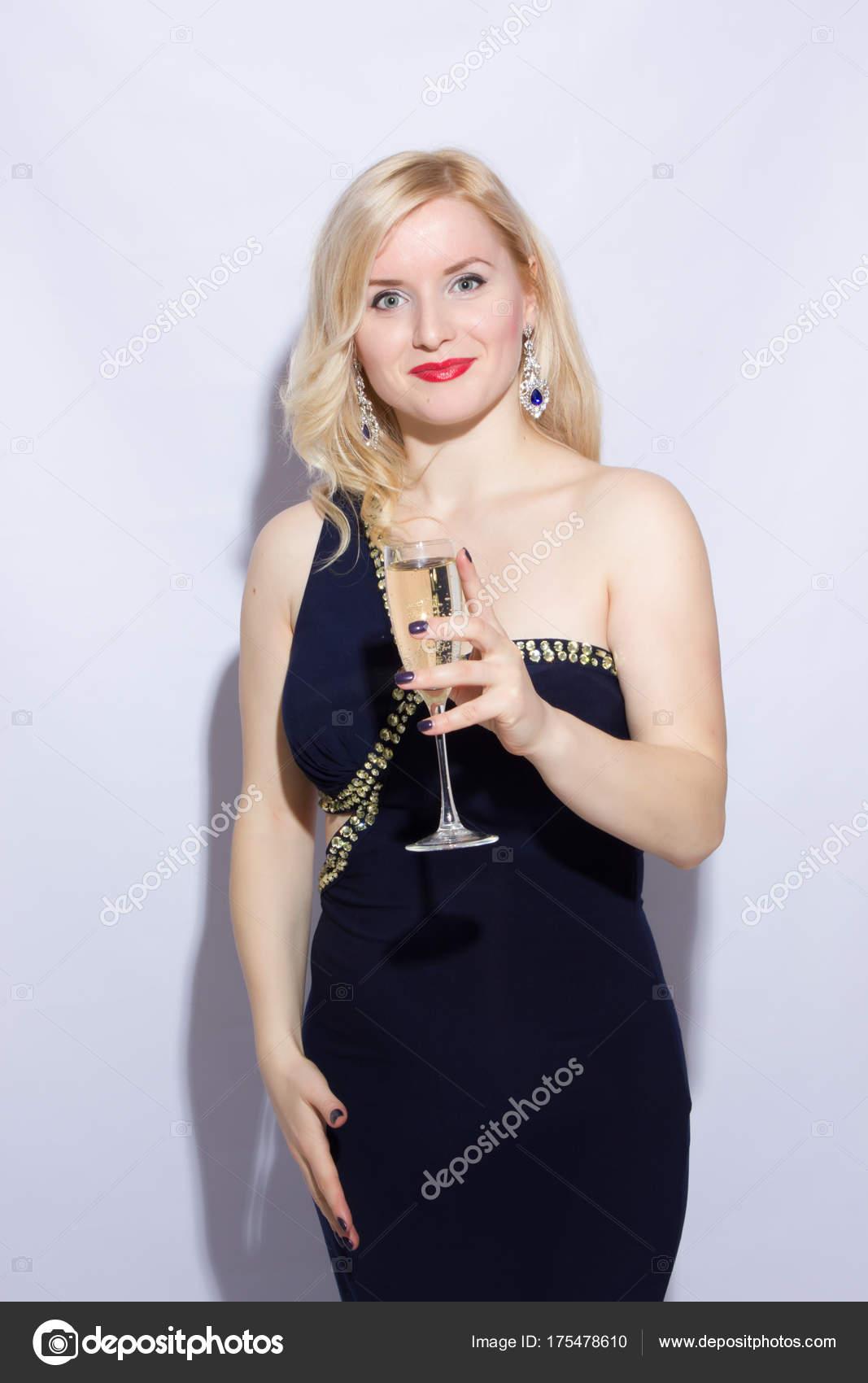 Retrato Estudio Una Hermosa Joven Rubia Vestido Largo Azul Noche