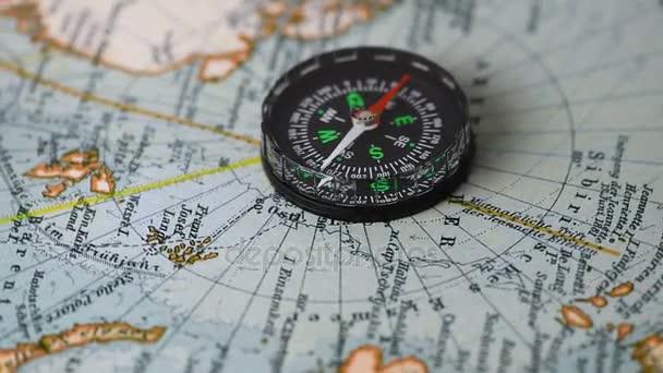 bussola sulla mappa