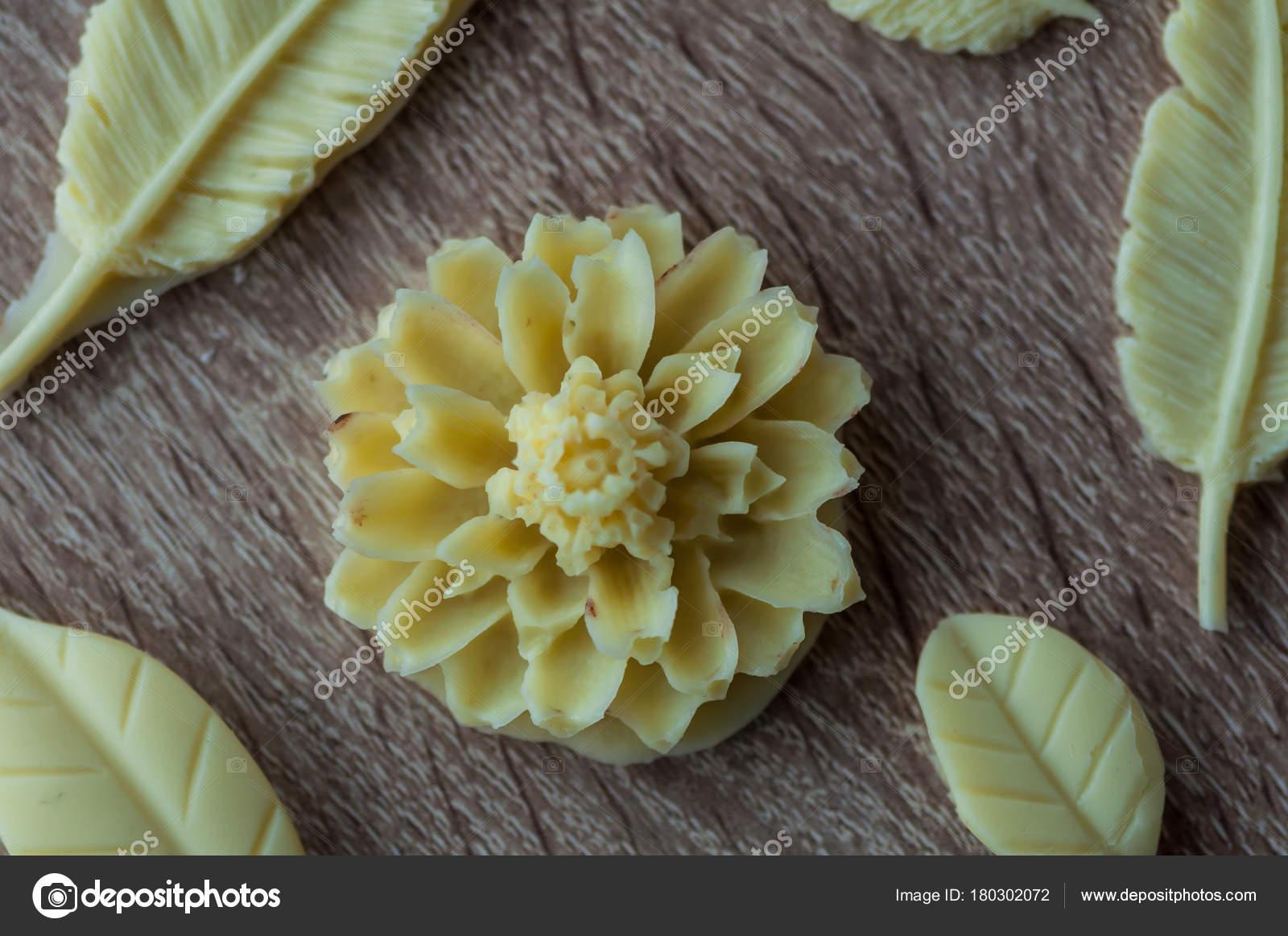 decorazioni cioccolato bianco stampi fiori piume foglie On decorazioni cioccolato bianco