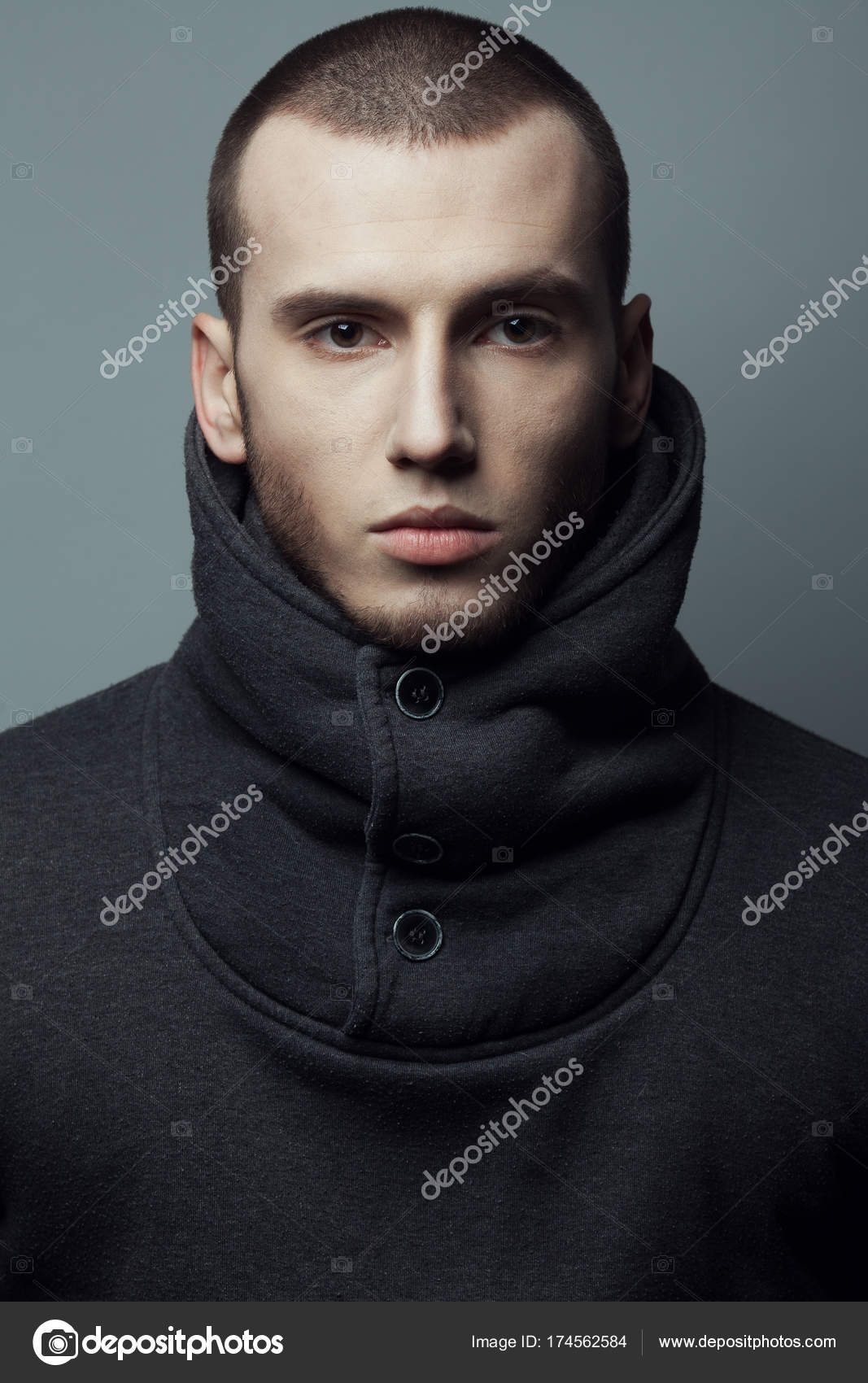 Férfi A Szépség Fogalma Rövid Haj Brutális Fiatalember Portréja