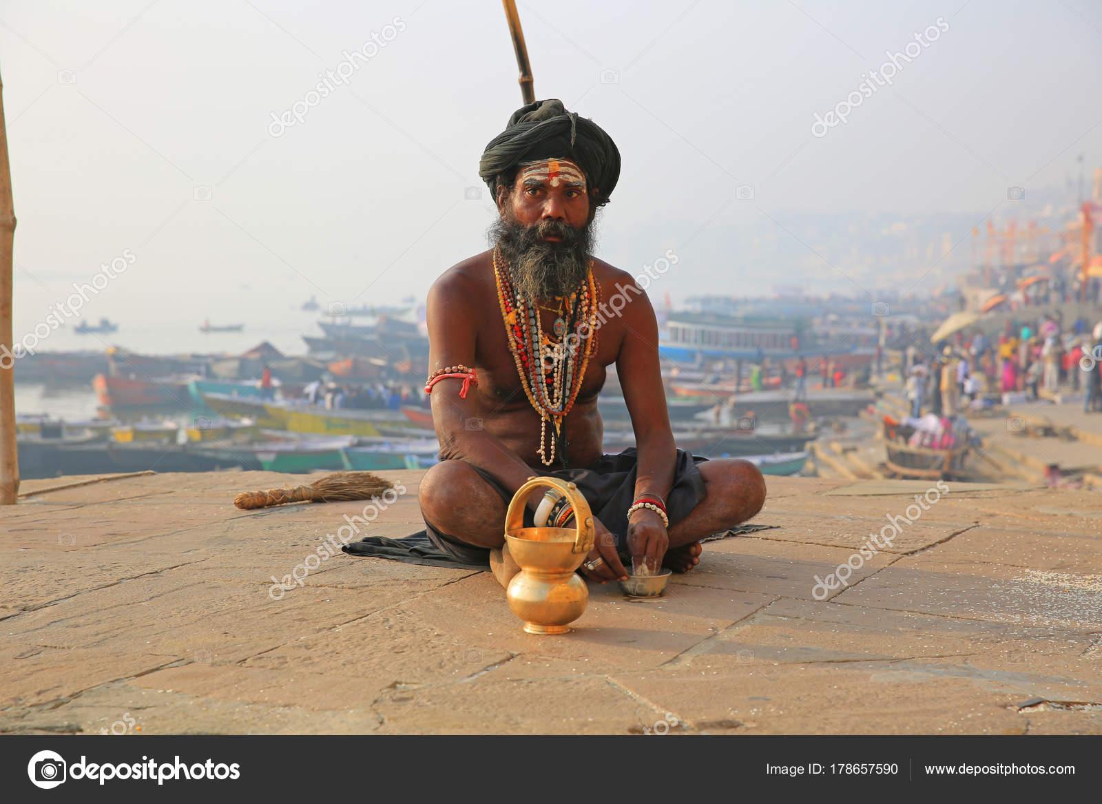 fotografiy-transseksualki-iz-indii-sperma-na-volosatoy-zhope-makro-foto