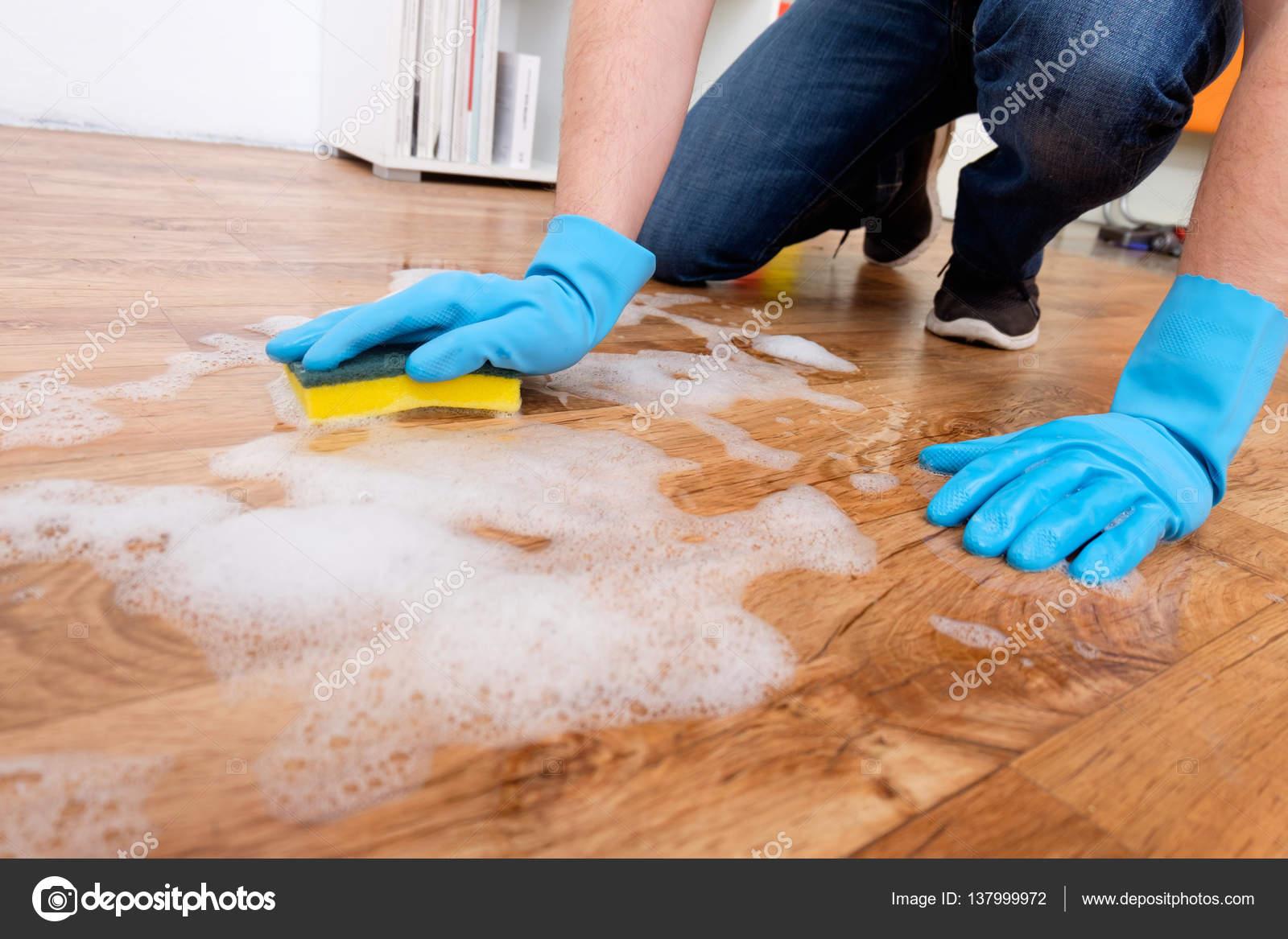 Limpiar parquet cmo limpiar pisos de madera fina with limpiar parquet fabulous productos - Productos para parquet ...