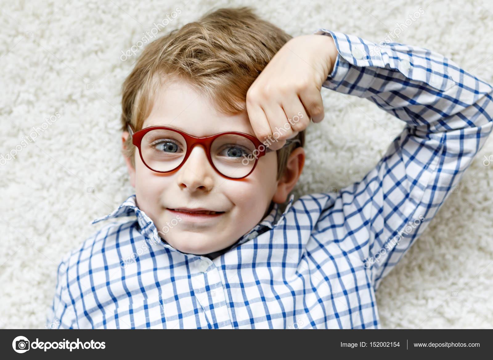 Imagen chicos lentes contacto feliz [PUNIQRANDLINE-(au-dating-names.txt) 66