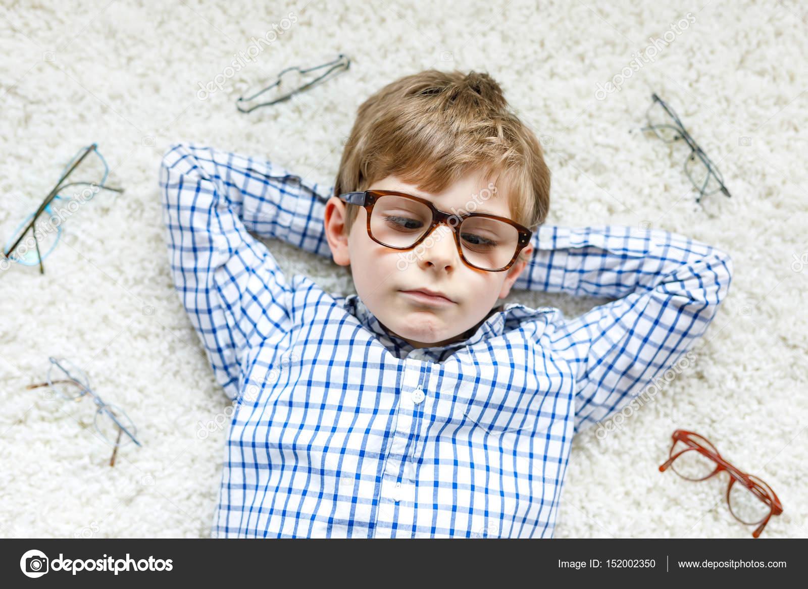 Imagen chicos lentes contacto feliz [PUNIQRANDLINE-(au-dating-names.txt) 62