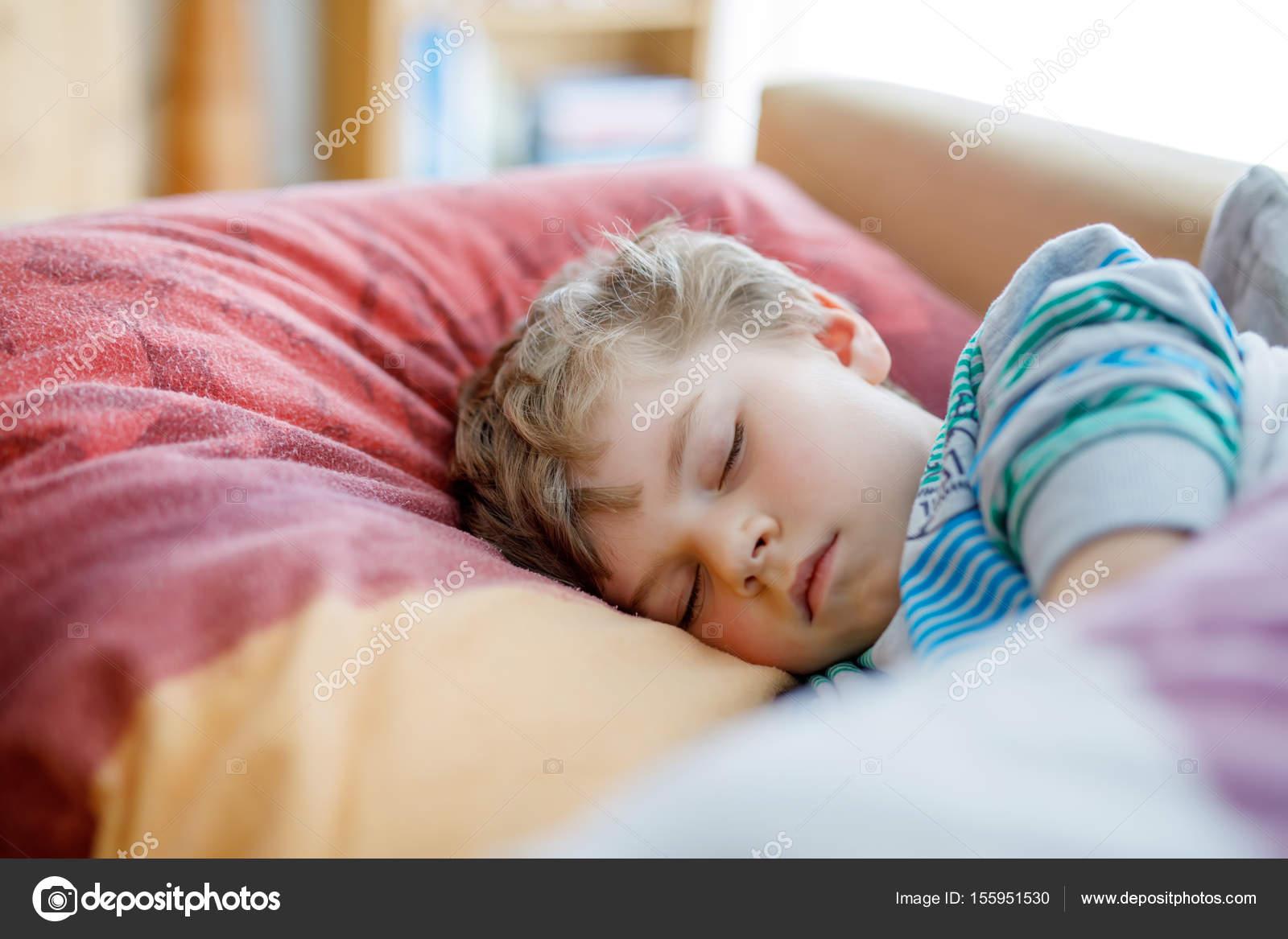 St Sleeping Boys 23