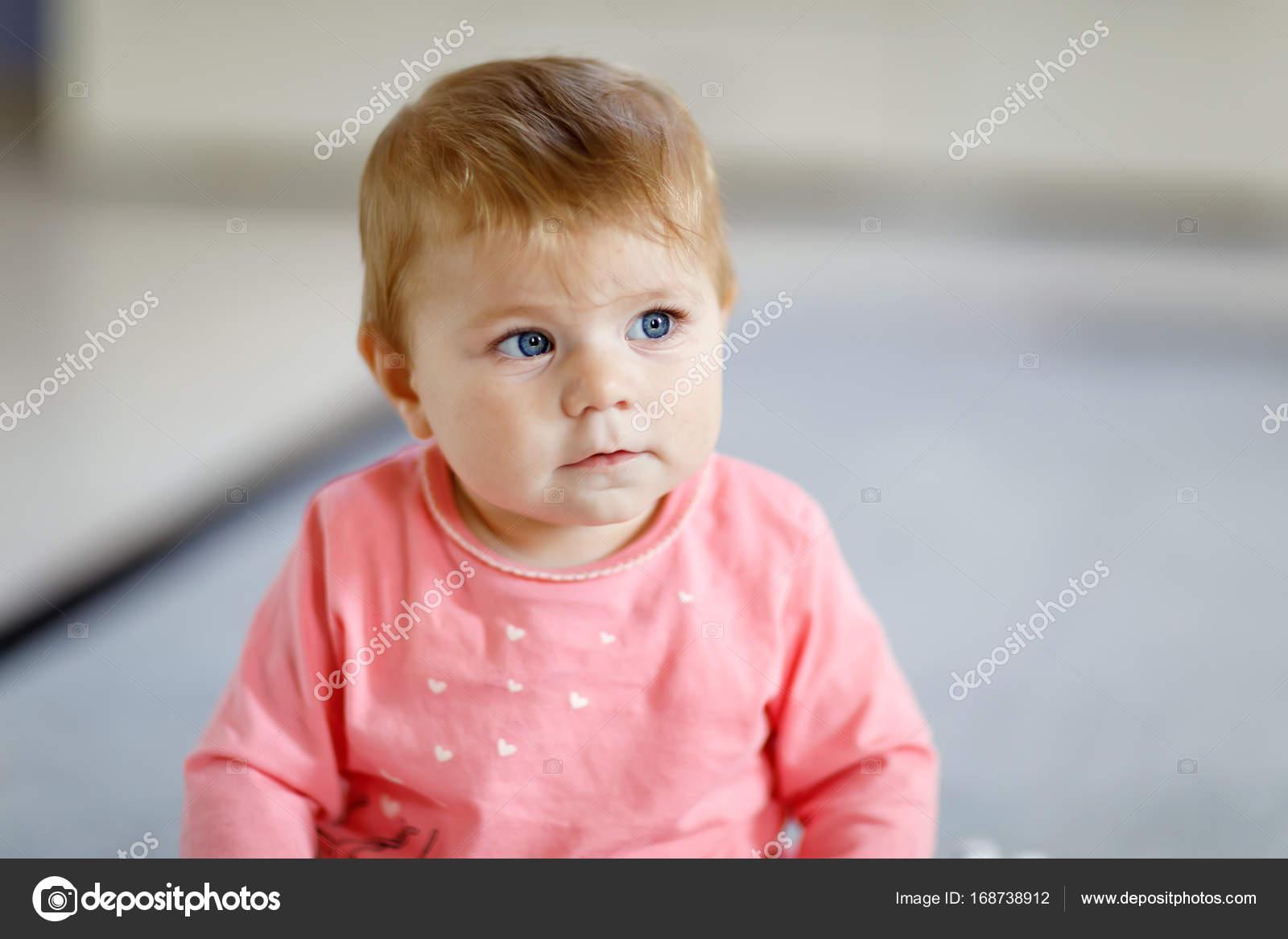 f4b99c36fc24 Portrait of cute beautiful baby girl smiling. Happy child — Stock ...
