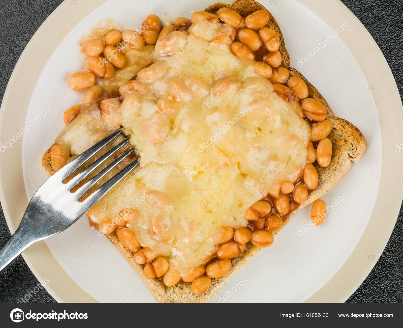 recipe: beans on toast with cheese [21]