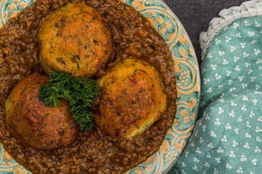 Minced Beef and Onions With Dumplings or Cobblers Meal