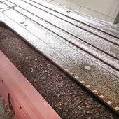Teherszállító vasúti vagonok lignit a hajtómű megterhelt téli szezonban