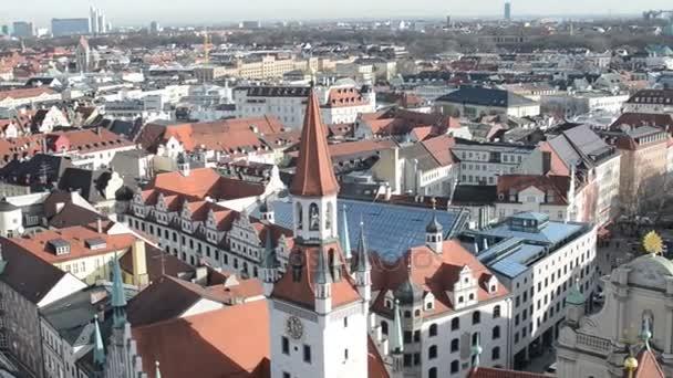 München mit seinem Alte Rathaus (altes Rathaus) und Kirche Heiliggeist neben Viktualienmarkt.