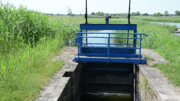 Weir on a Havel river side arm. Havelland (Brandenburg, Germany)
