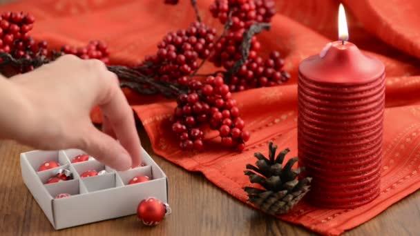 Červené svíčky. Vánoční dekorace.