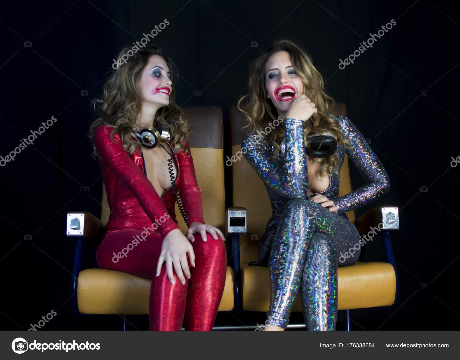 Сексуальные диско певицы