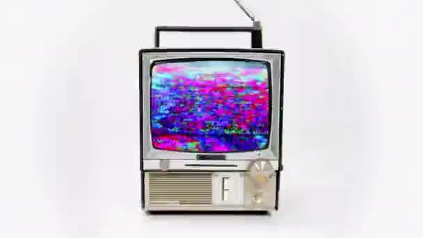 vintage televize s různými poruchami účinky na video