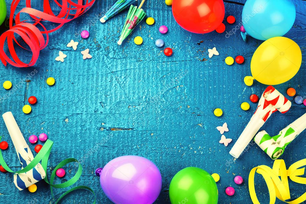 Geburtstag Rahmen Mit Bunten Ballons Und Partei Elemente Stockfoto