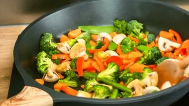 Preparation of stir fry meal