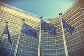 EU vlají budovou Evropské Komise. Brusel, Belgie