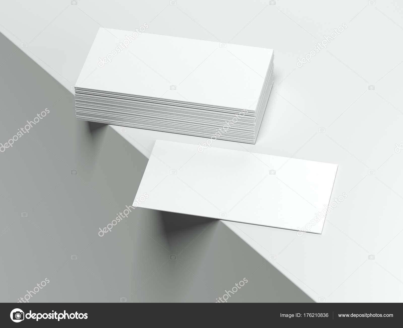 Cartes De Visite Vierges Blancs Sur Le Bord Surface Rendu 3D Image Ekostsov