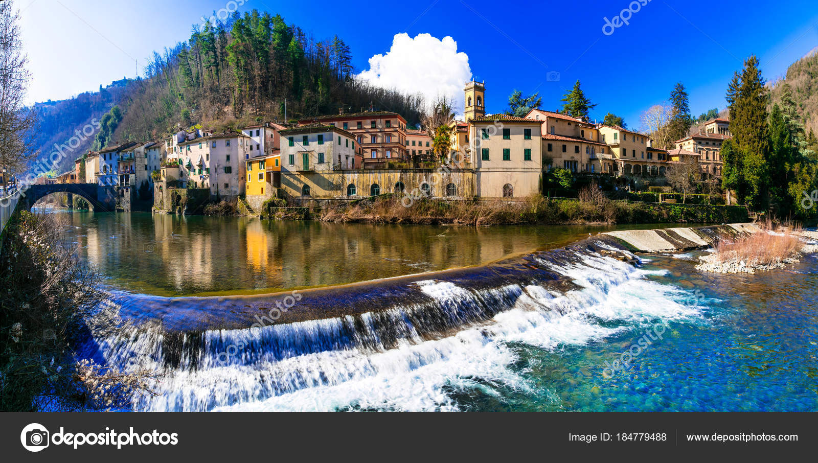 https://st3.depositphotos.com/1766887/18477/i/1600/depositphotos_184779488-stock-photo-traditional-villages-of-tuscany-bagni.jpg