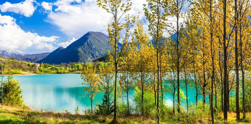 Beautiful autumn landscape with turquoise lake Lago di Castel San Vincenzo,Molise,Italy.
