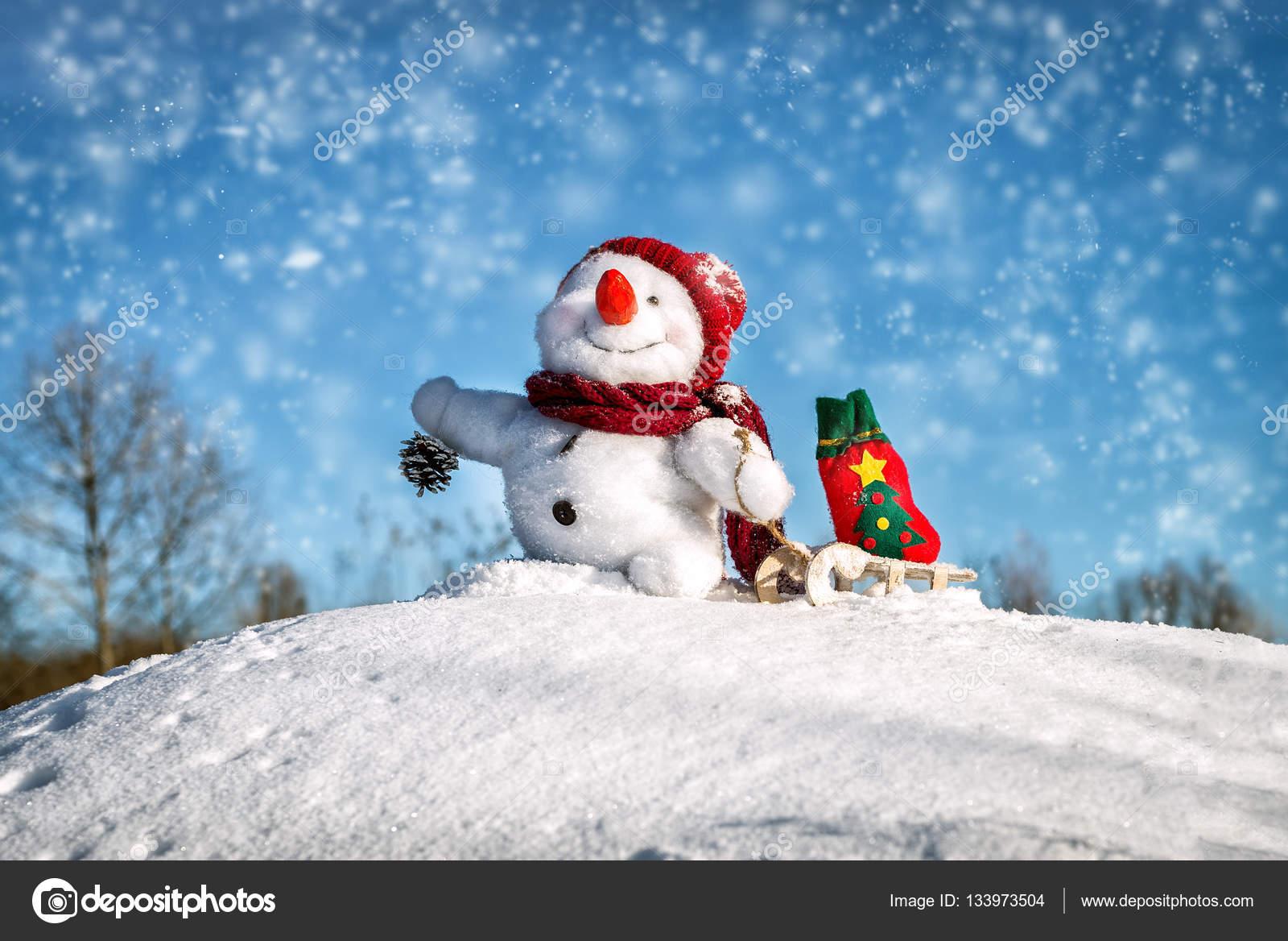 Joyeux bonhomme de neige avec chapeau photographie - Chapeau bonhomme de neige ...