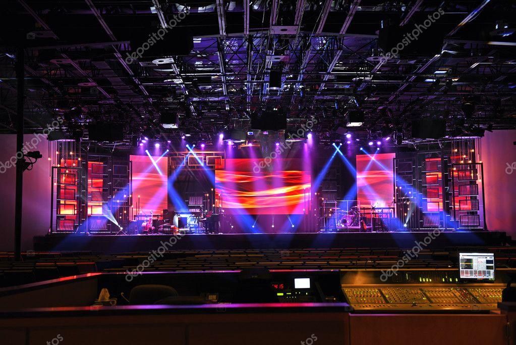 Concert podium verlichting — Stockfoto © ginosphotos1 #127198038