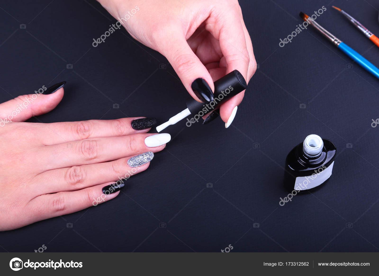 Imagenes Unas Decoradas Negro Y Blanco Negro Blanco De Unas De