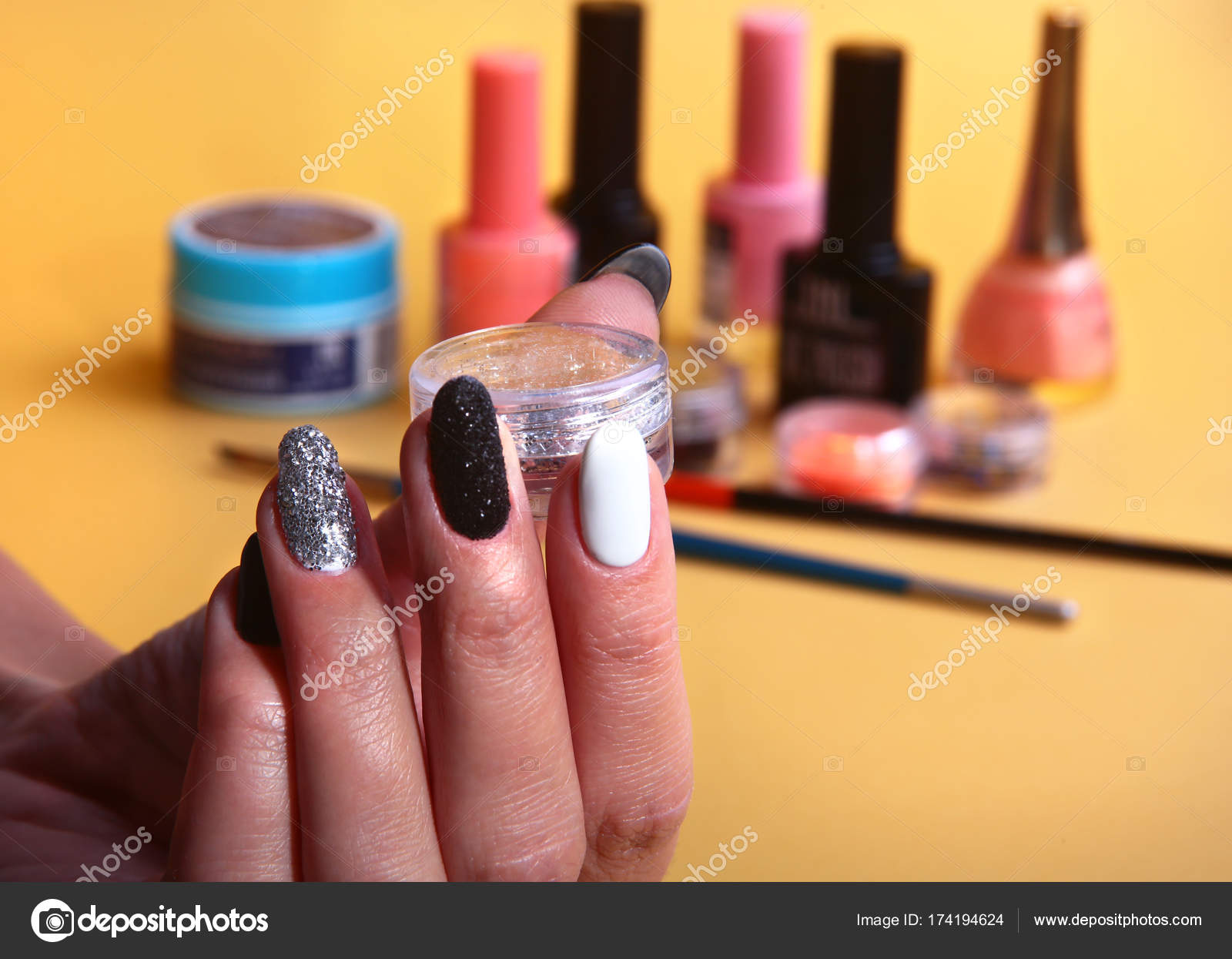 Telli Nail Art Tırnak Trendi
