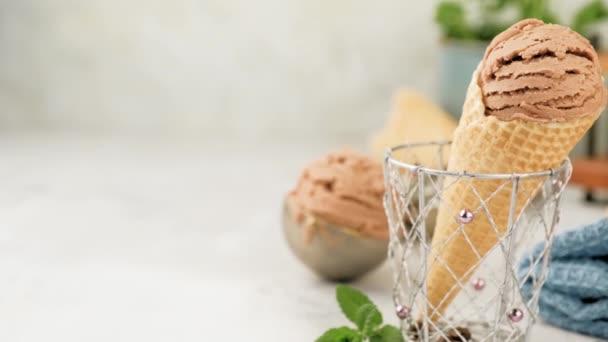 Lahodná kávová zmrzlina jako dezert