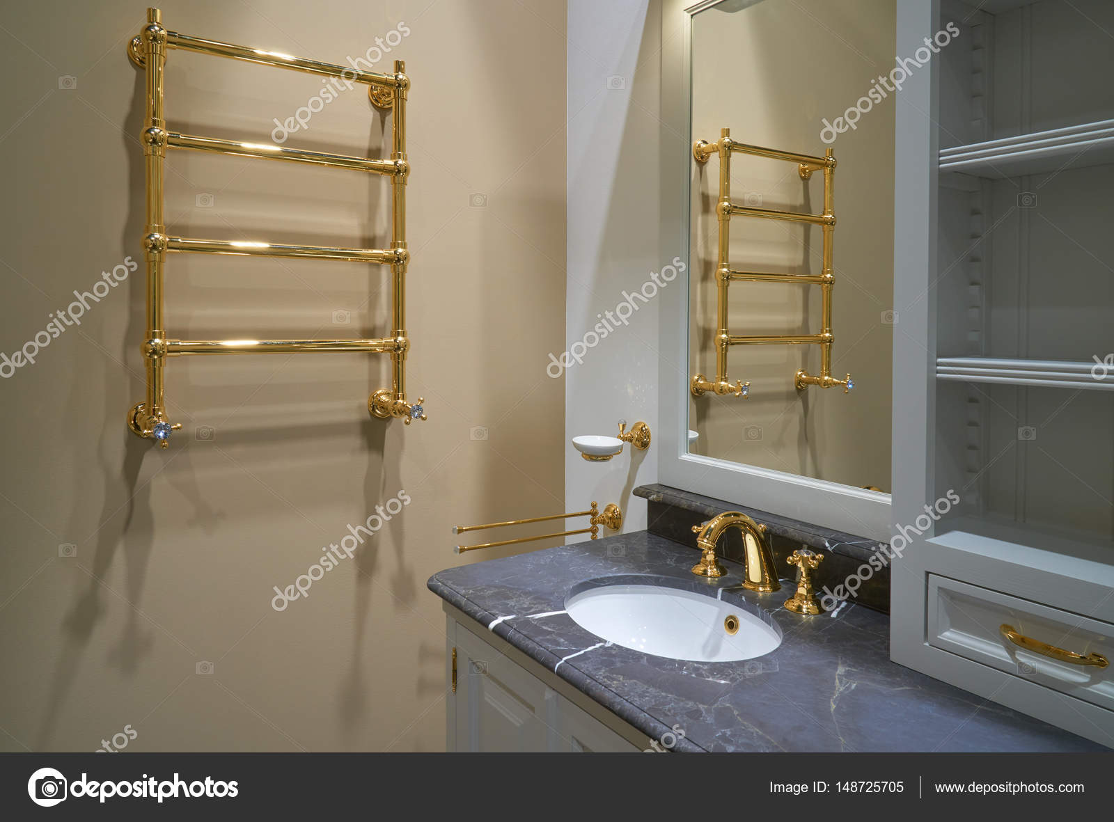 Luxe interieur badkamer u2014 stockfoto © photopotam #148725705