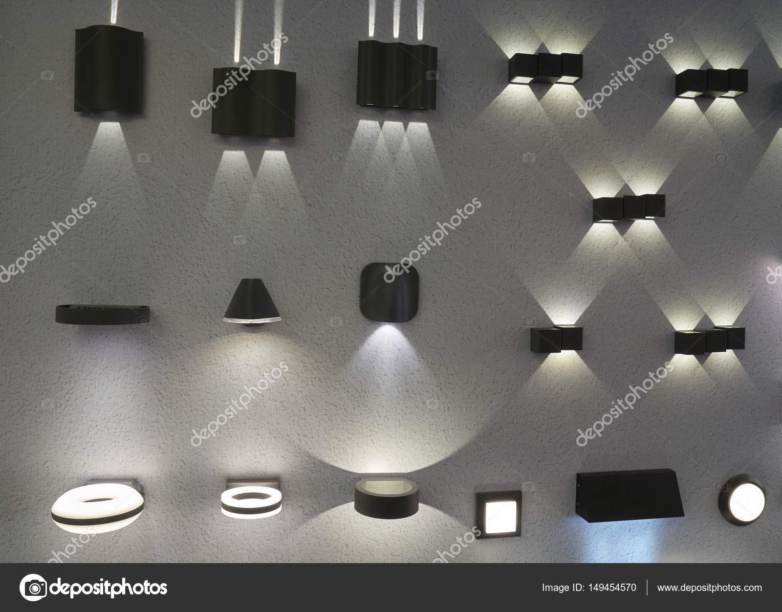 Lampade elettriche di illuminazione interna ed esterna u2014 foto stock