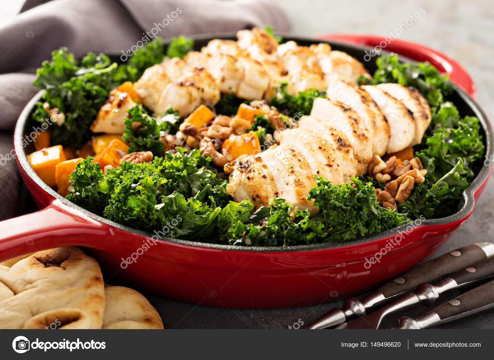 Zdrowy I Szybki Obiad Z Kurczaka Z Grilla Zdjecie Stockowe