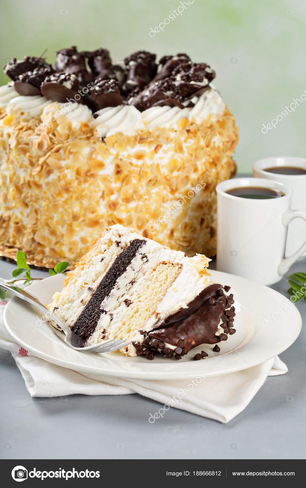 Italienische Kuchen Mit Schokolade Cannoli An Der Spitze Stockfoto