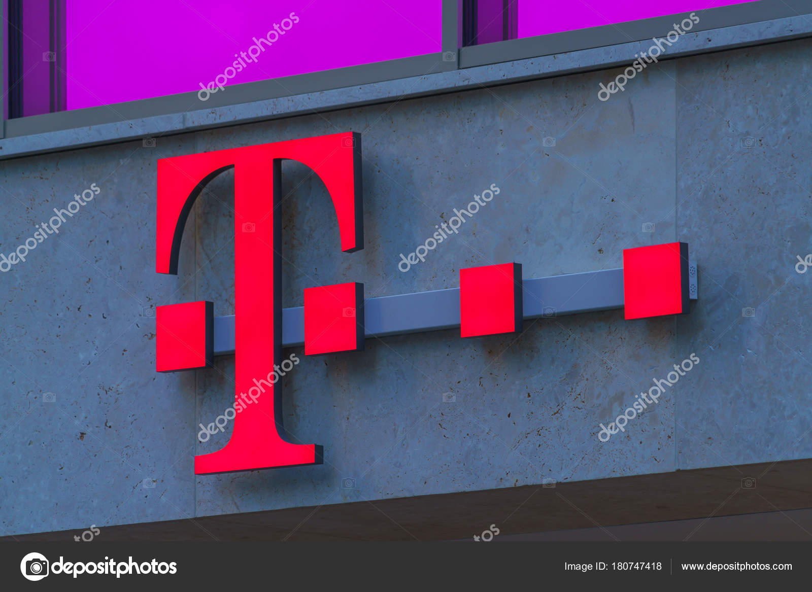 A Sign With The Logo T Mobile Stock Editorial Photo Rostislavv