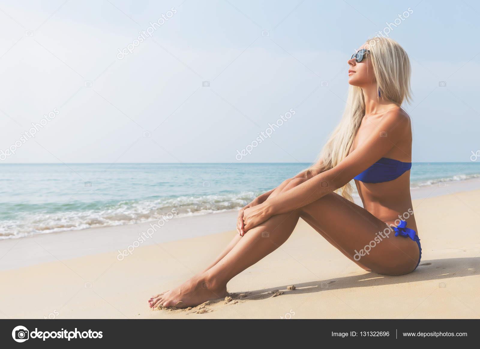 femme a poil a la plage