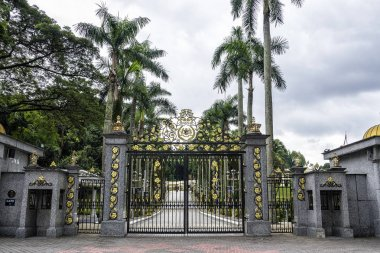 The Istana Negara at along Jalan Istana was the former residence of the Yang di-Pertuan Agong (Supreme King) of Malaysia. The Istana Negara now is Royal Museum.