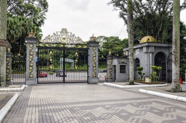 The Istana Negara at along Jalan Istana was the former residence of the Yang di-Pertuan Agong (Supreme King) of Malaysia. - The Istana Negara now is Royal Museum